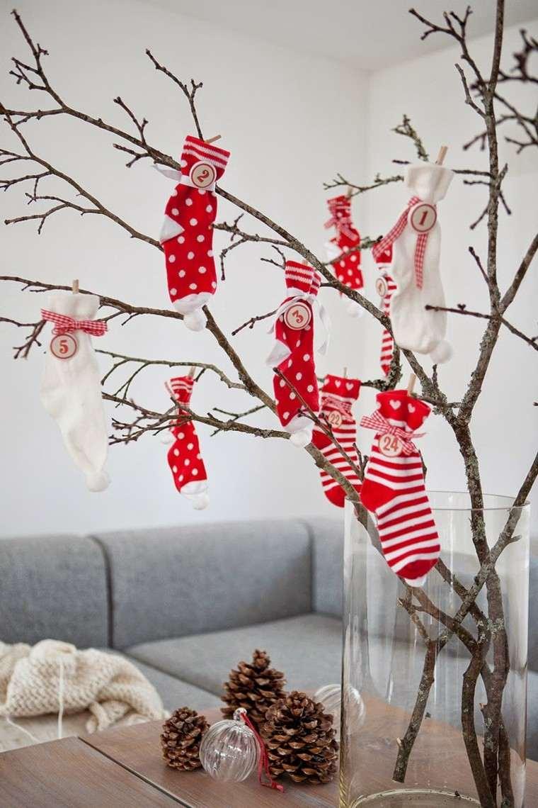 Calcetines navide os para decorar el hogar 50 ideas for Decoracion con ramas secas