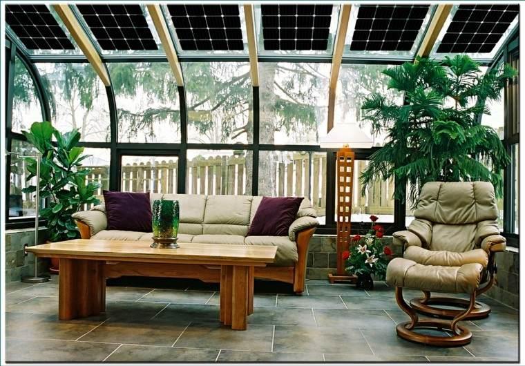 bonita decoración terraza cristal