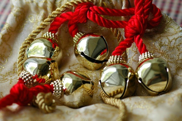 bonito adorno navidad cascabeles dorados