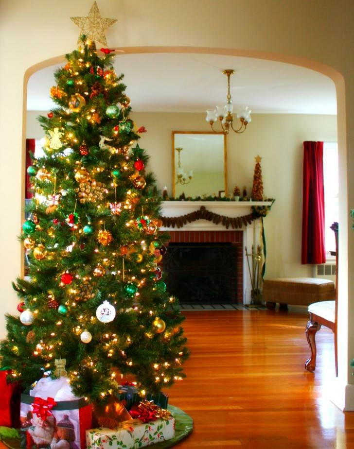 bonito arbol navidad chimenea