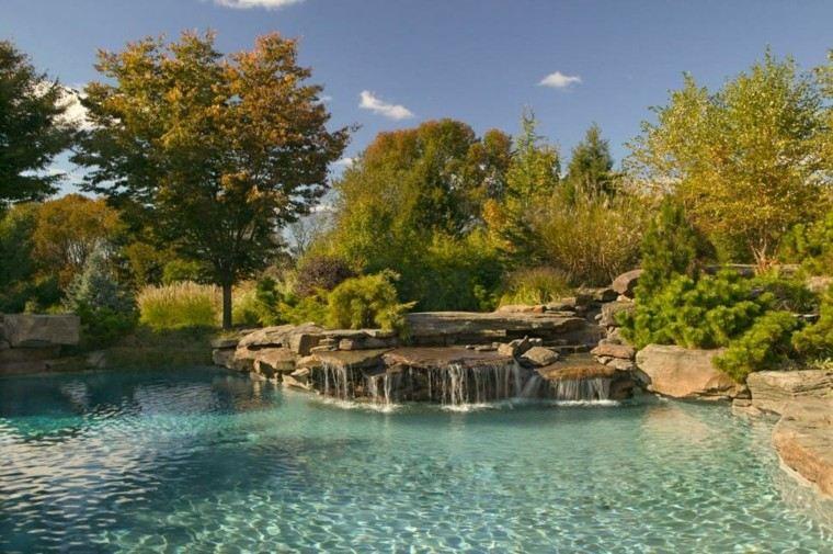 bonito diseño cascadas piscina deco