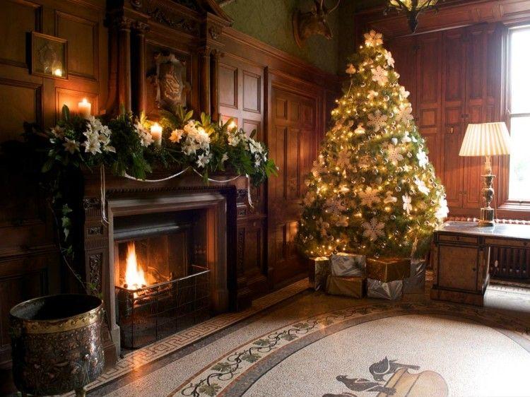 bonito salon chimenea madera arbol