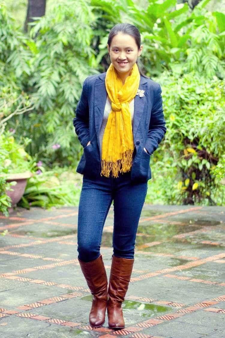 bufanda otono caliente amarillo vibrante botas ideas