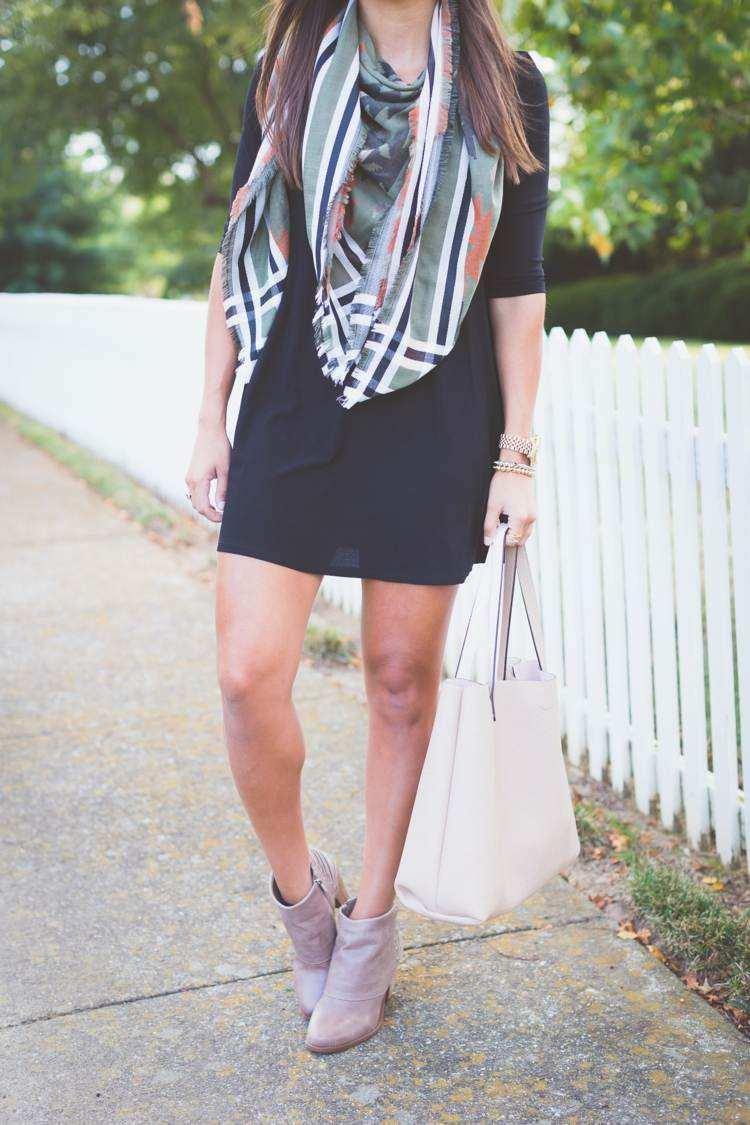 bufanda otono caliente vestido negro elegante ideas