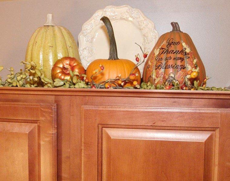 calabazas decorativas hojas secas
