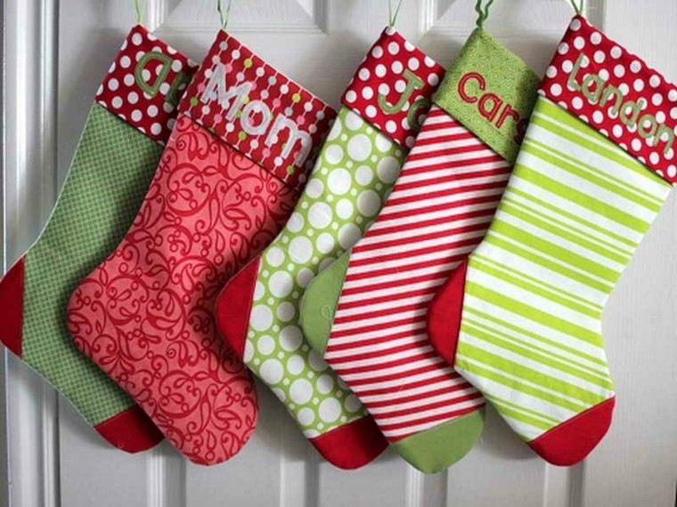 calcetines navidad decorar puerta