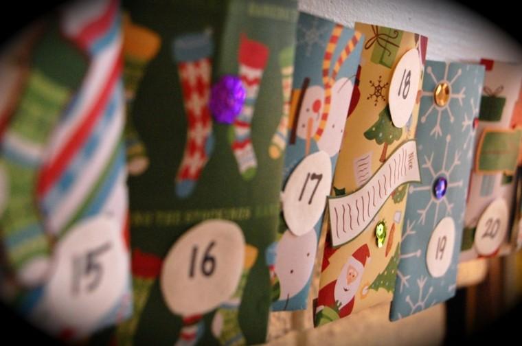 calendario adviento colorido papeles numeros