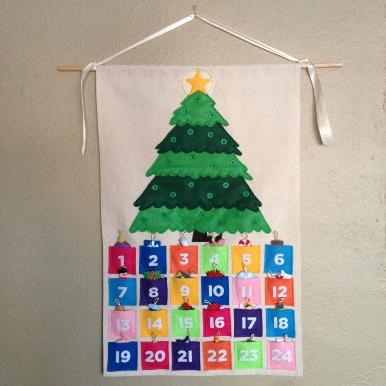 calendario de adviento tela madera colorido