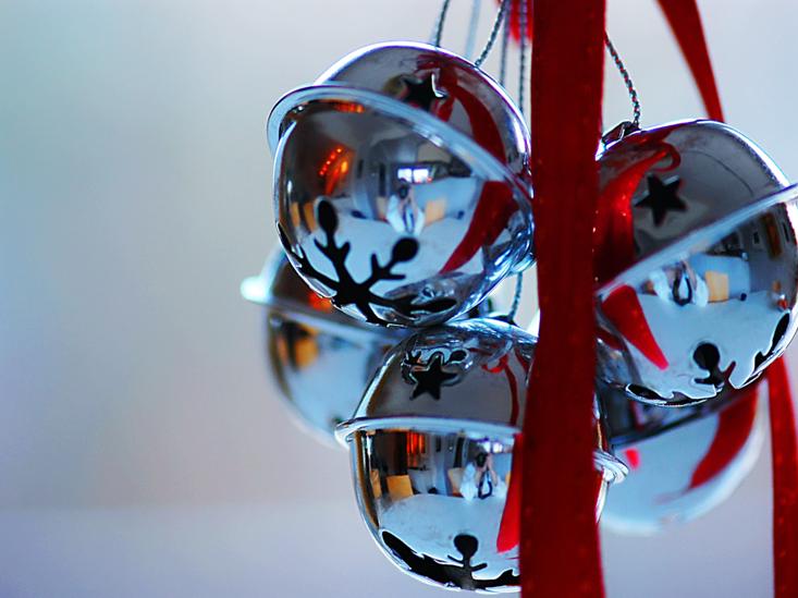 cascabeles de navidad brillantes