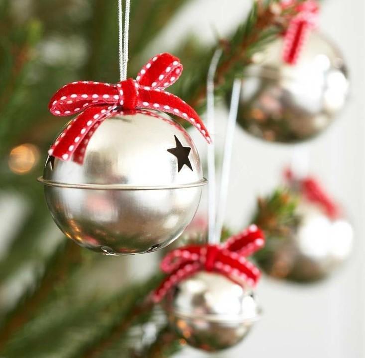 cascabeles redorndos arbol navidad