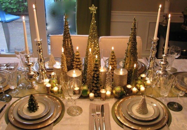 cena navidad abetos dorados velas