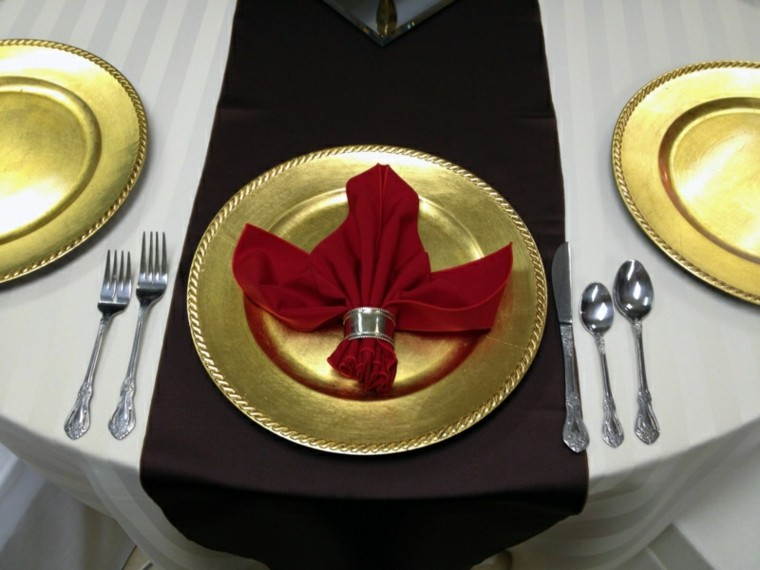 cena de navidad ideas servilletas elegante vajilla