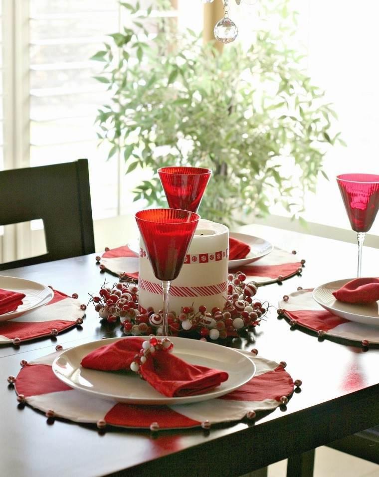 cena navidad recetas decora mesa vasos rojos ideas