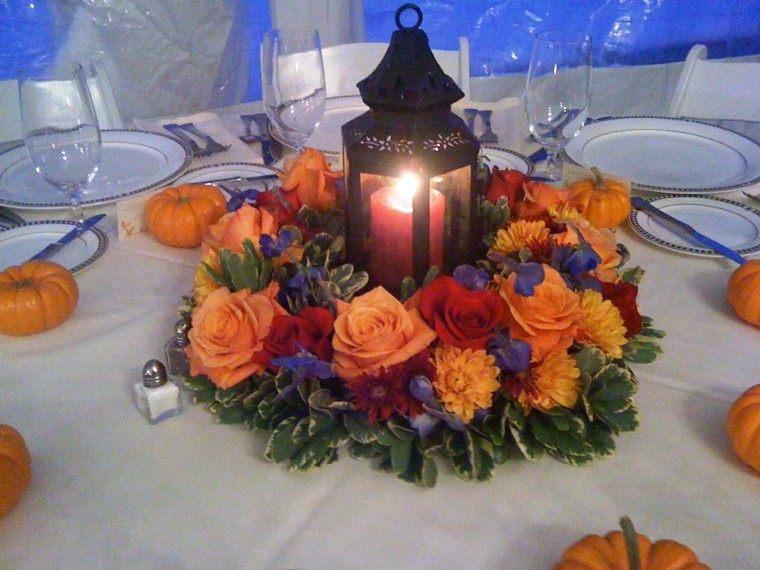 centro de mesa ideas farol negro rosas precioso