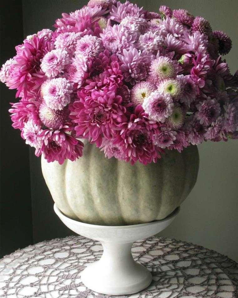 centros de mesa originales ideas flores purpura preciosas