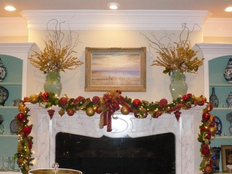Motivos navide os para decorar la chimenea m s de 50 ideas - Chimenea blanca decorativa ...