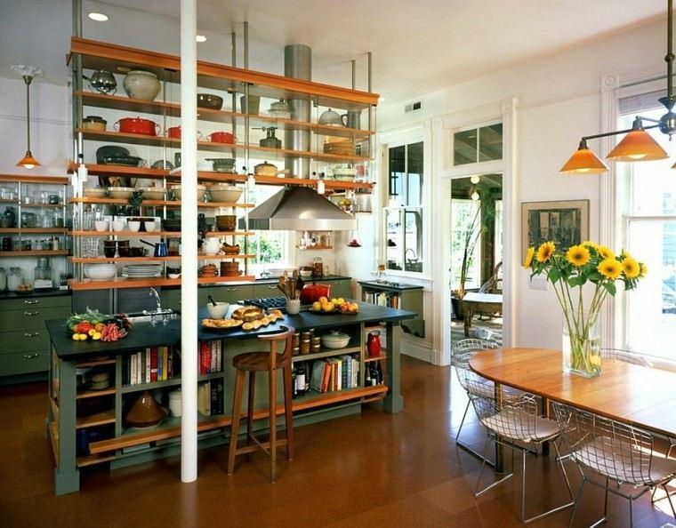 cocinas con isla estanteria madera industrial girasoles