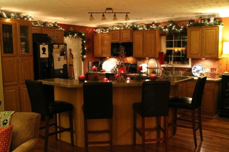cocinas navidad elegante mesa guirnaldas tradicional