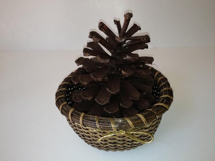 cono decorado otoñal madera minimalista canasta