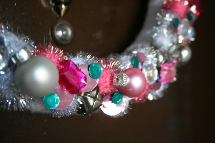 corona navidad bolas colores