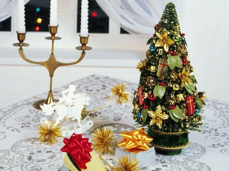 decoración mesa abeto lazos
