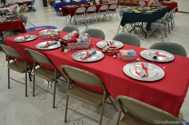 decorar mesa gris sillas