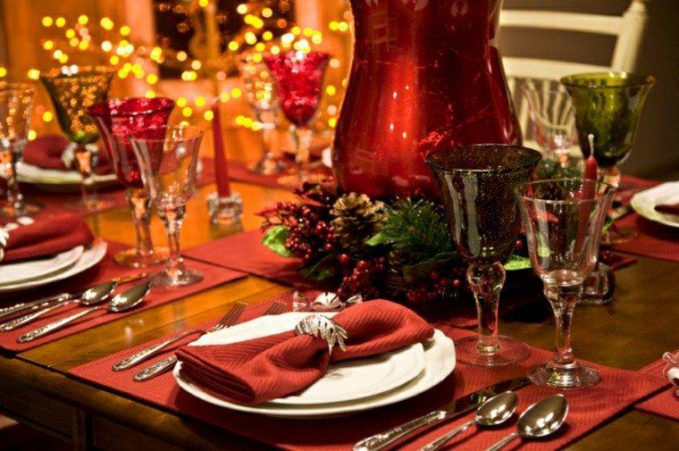 decoración mesa jarron rojo