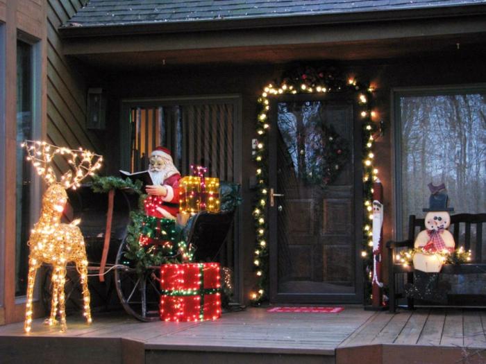 Adornos navide os r sticos para exterior 50 ideas geniales for Disenos navidenos para decorar puertas