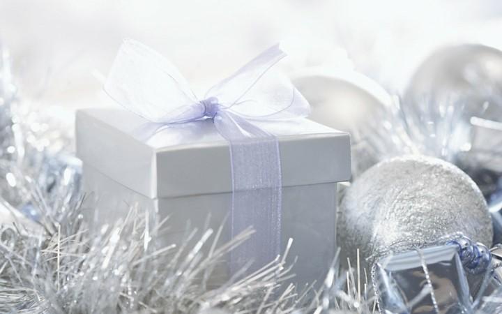 decoración navidad color lila plata
