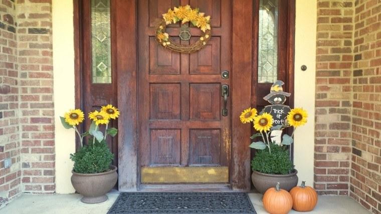 puerta madera girasoles otoño