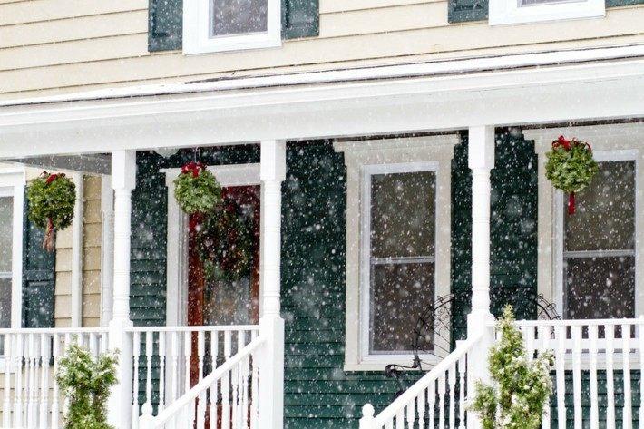 decoración porche nieve navidad