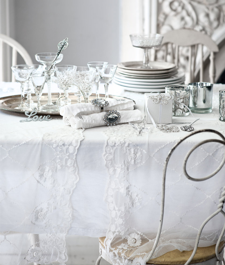 decoración retro mesa blanca cena