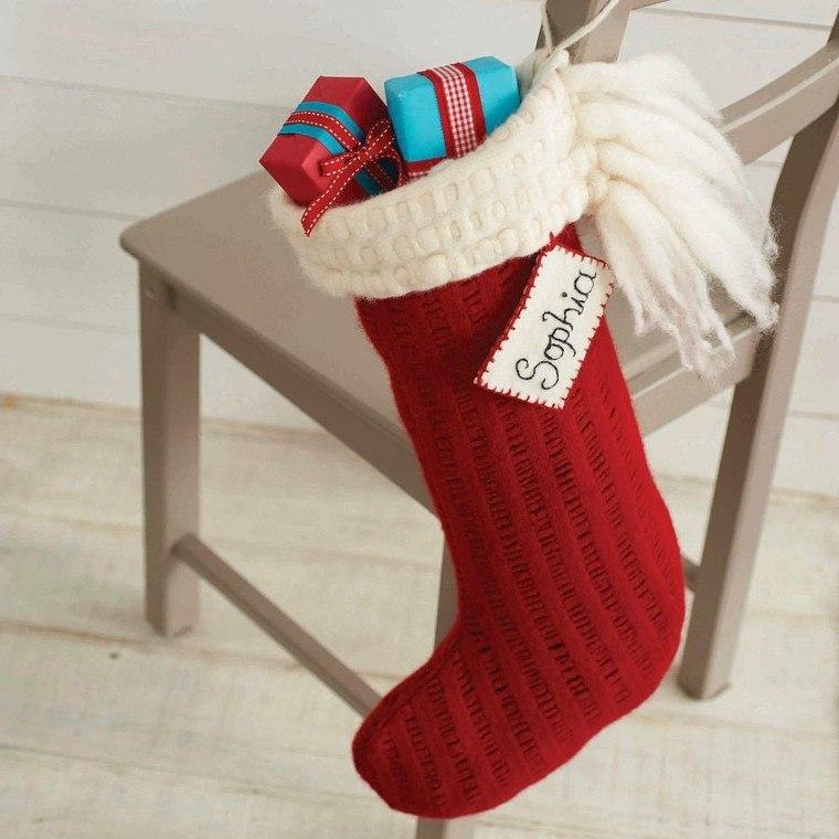 decoración silla calcetin rojo