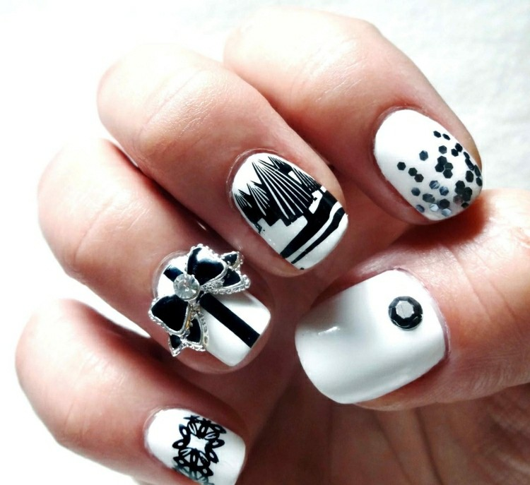 decoración uñas blanco negro