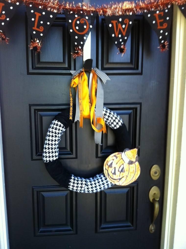 decoración otoño puerta negra