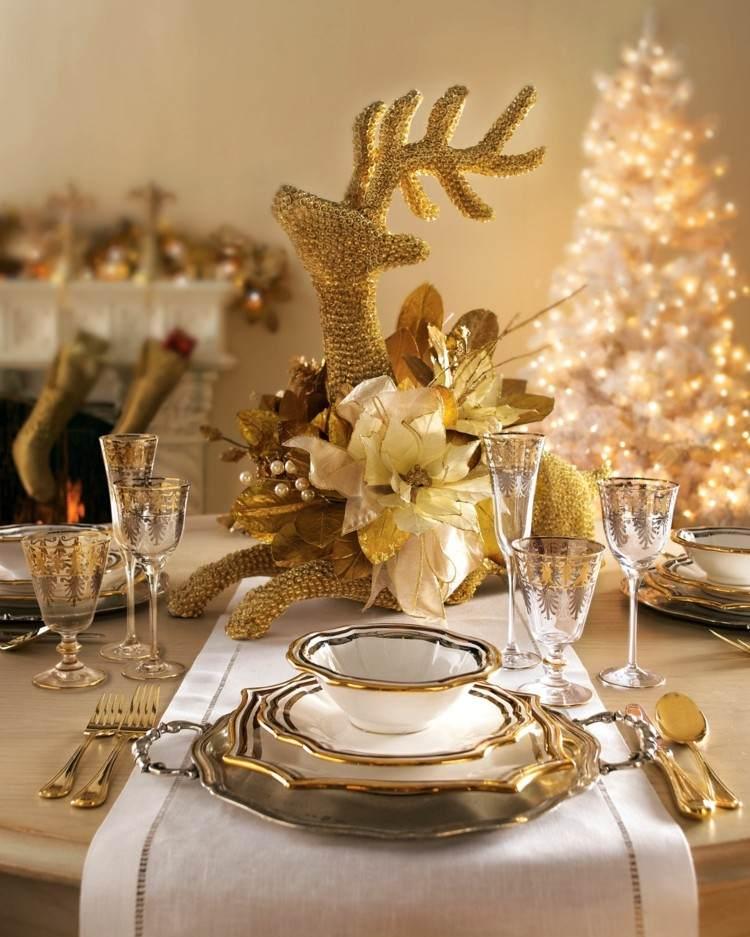 centro de mesa en forma de reno dorado