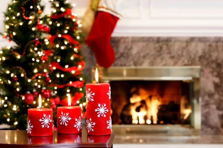 decoracion chimeneas velas rojas calzetines ideas