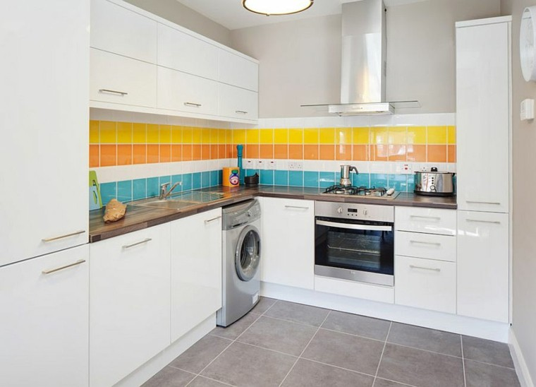decoracion de paredes rayas distintos colores ideas