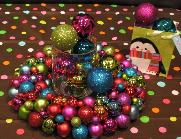 decoracion navidad colores vibrantes decorar casa centro mesa bolas ideas