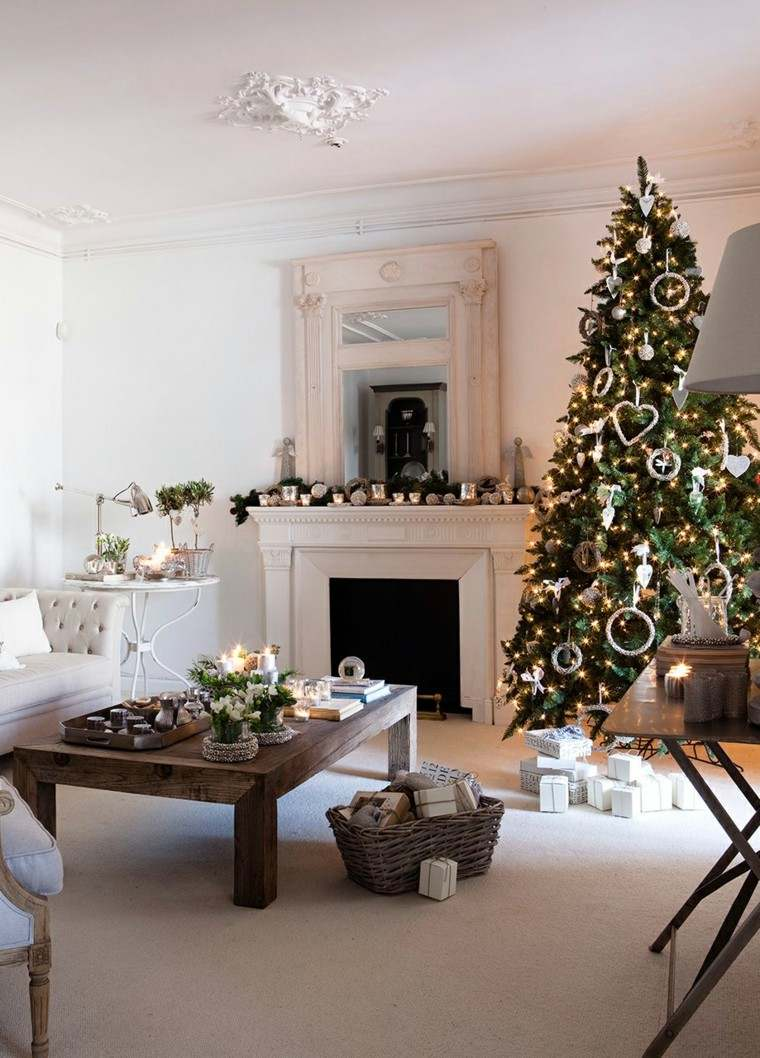 Decoracion navide a chimeneas adornadas preciosas for Ramas blancas decoracion