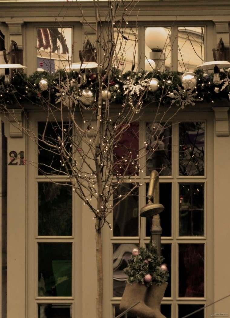 Decoracion navide a ventanas con adornos preciosos for Decoraciones navidenas para la casa