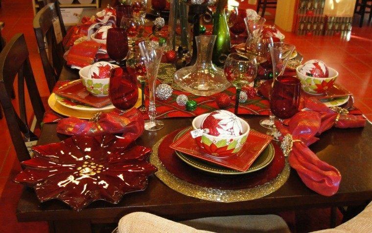 decorado intenso rojo detalles vajilla
