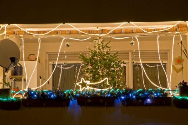 decorar terrazas luces azules estrella