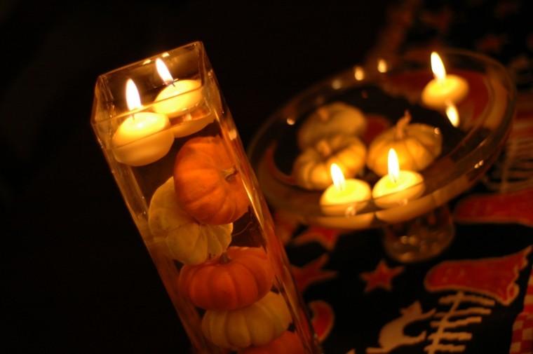 detalle amarillo romantico mesa calabazas