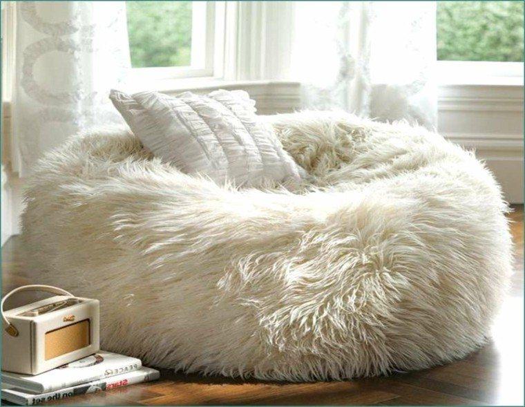 detalle salon comodo caliente libros