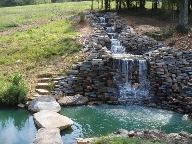fuente rio cascadas piedras