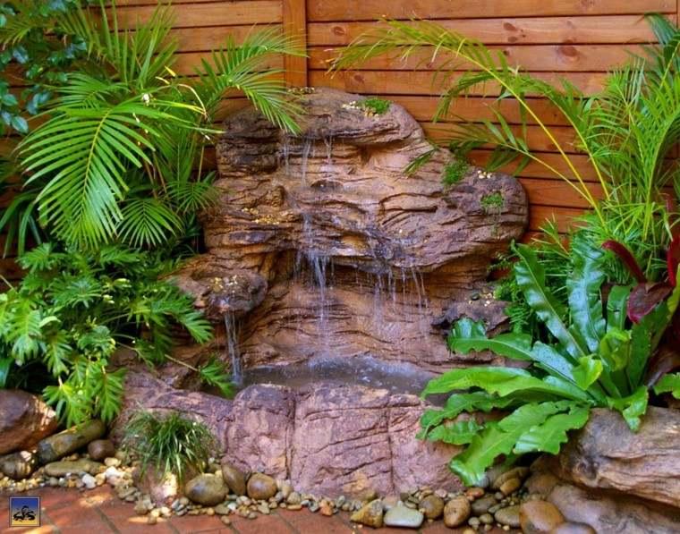 diseño cascada valla madera
