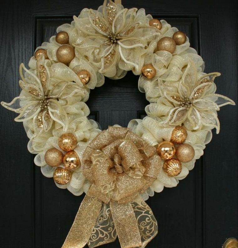 el dorado decoracion puerta oscura esferas