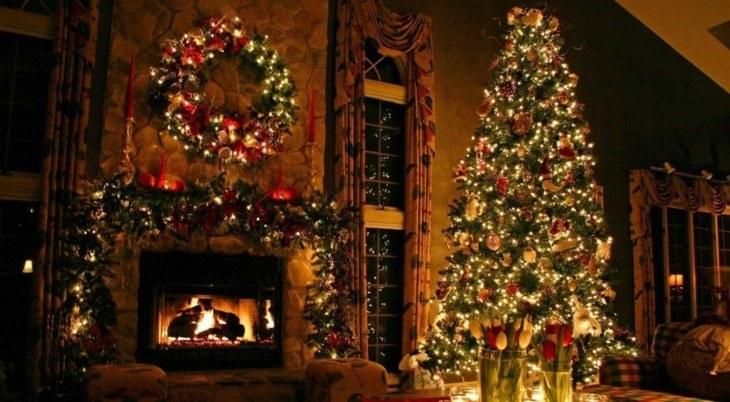 enorme árbol navidad estilo retro
