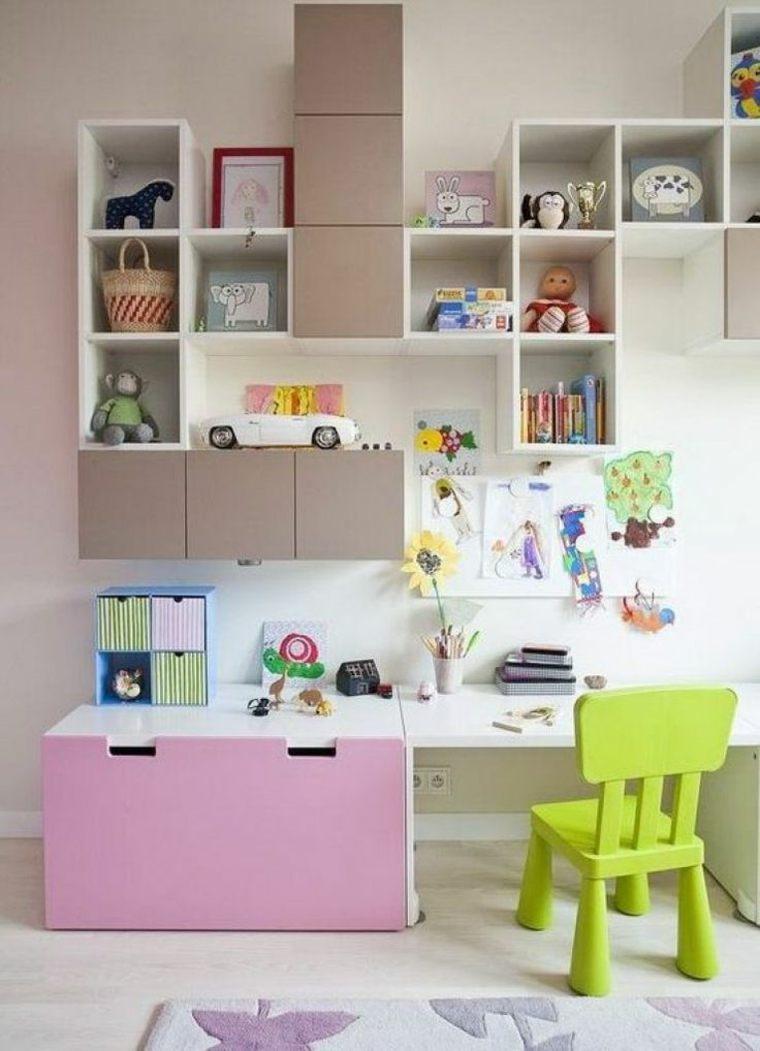 escritorio con estantes